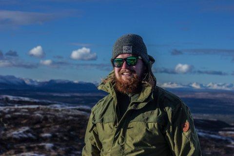 TJENER GODT: Holeværingen Tobias Lohne Nuland valgte kort utdanning som ga fast jobb og solid lønn. I juli starter han i jobben som lokfører.