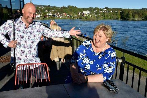 GLEDET SEG: Erna hadde nok gledet seg til å se og høre om Jonas hadde fikset på Bergensdialekten siden parodien på henne i fjor, men Jonas var ikke med i årets forestilling.