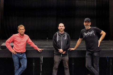 HYBRID-KONSERTER: Tage Hybertsen (55), Asmund Torgersbråten (36)  og Robin Junge (44) har troen på å streame livekonserter og ha publikum både i salen og hjemme hos seg selv.