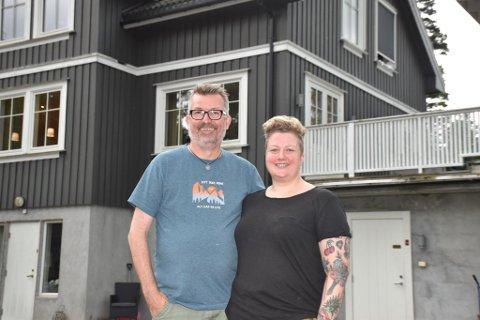 HUSDRØMMEN: Snart skal Olav og Marie Risan selge drømmehuset på Røyse. Ekteparet har funnet seg ny bolig i Hønefoss.