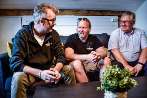 NYTT LIV: – Vi har fått nye liv, sier Stian Kamphaug og Helge Andreas Gjevestad til Olav Risan på Fontenehuset.