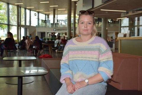 FRYKTER KONSEKVENSENE: Linda Norgård er en av flere studenter som frykter konsekvensene av at USN ikke lenger legger til rette for digital undervisning.