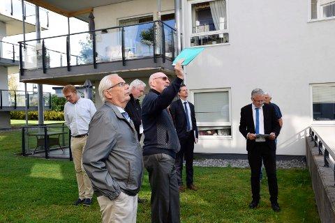 GIR SEG IKKE: Styreleder Gunnar Lunne, styremedlem Sven Alexander (til venstre)  og Sameiet Viksveien 7-11 har bestemt seg for å anke dommen.
