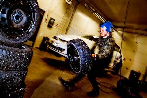 Testene i Motors store vinterdekktest er gjennomført av profesjonelle dekktestere hos Test World i Ivalo, Finland. Foto: Lasse Allard, Naf/ANB