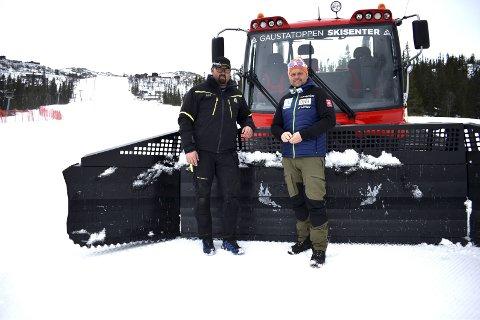 HAR ALT KLART: Bjørn Tverberg og Geir Nørstebø i Gaustatoppen skisenter tilbyr strålende skiforhold og mye moro fram til 1. mai.