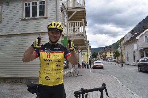 Tråkker til: Per Øyvind Lia gleder seg til å sykle til Paris i sommer, dette er første gangen han er med. Han er godt forberedt. Allerede før den lange sykkelturen har tinndølen samlet inn 30 000 kroner via Facebook.