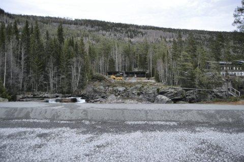 SALG: Statskog forsøker å selge  hele eiendommen i en smell – det omfatter også tomta  til skytebanen ved Lurheim.