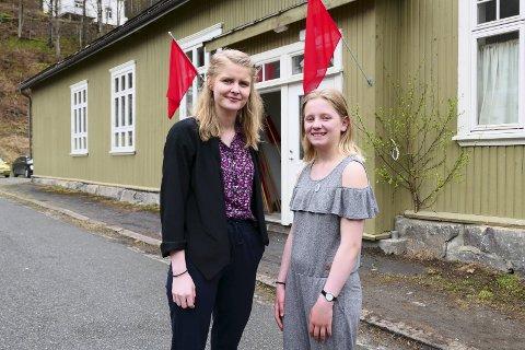 HOLDT APPELL: Guro Nyhus Hagen og Frid Langeland høstet applaus for sine appeller på Såheim Folkets Hus.