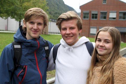 GLAD I FRIIDRETT:  Idrett, og spesielt friidrett er blitt viktig del av hverdagen for Thomas Naper Kristiansen, Oliver Skov Våer og Sarah Samuelsen.