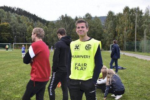 FAIRPLAY: Kjetil Fusche sørget for at alle på banen i Atrå forholdt seg fairplay-prinsippet i fotball.