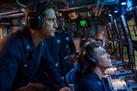 HUNTER KILLER: Marineubåtkapteinen Joe Glass (Gerard Butler) er på leting etter en annen amerikansk ubåt i trøbbel, når han oppdager at et hemmelig kupp er underveis i Russland. Et kupp som kan true hele den etablerte verdensorden.
