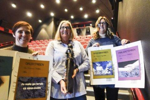 Byr på Prisgalla: Åshild Langeland. VIvian Mathisen og Marit Kvitne håper på full kinosal når kommunens gjeve priser deles ut fredag 22. november.