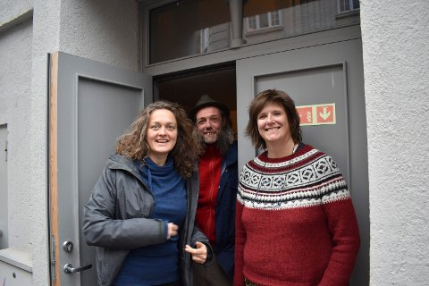 NYE KURS: Tinn kulturskole med rektor Hege Heisholt (th)  i spissen legger opp til mange spennende kurs . Blant annet i regi av Martin Andersen og Margrethe Brekke.