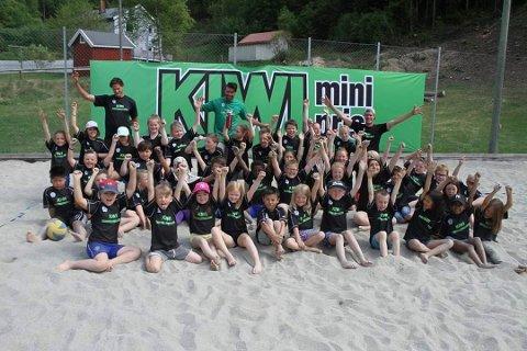MORO: Onsdag til fredag blir det Kiwi Sandvolleyballskole på Rjukan Sandbane for barn og unge.  (bilde fra fjorårets arrangement)