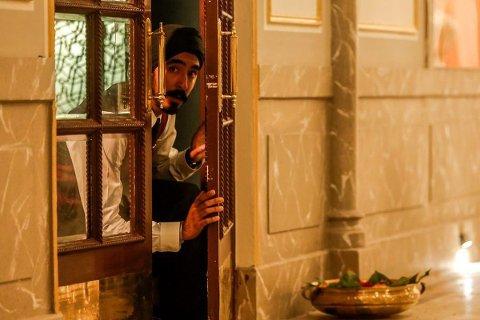 HOTEL MUMBAI: - Jeg anbefaler virkelig denne. det e rblitt en helt eksepsjonell film, sier kinosjef Robert Jenbergsen, om filmen som handler om terrorangrepet på et luksushotell i 2008.