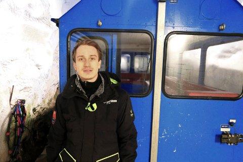SOMMERJOBB: Dette er Andreas Koll Folkvangs sjette sommer på Gaustabanen.