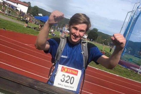 PERSET NÅR DET GJALDT SOM MEST: RIL-utøver Thomas Kristiansen perset med tre meter og kavlet til søndagens finale i junior-NM, som foregår i Sigdal i Buskerud.,