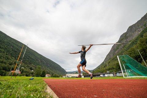 THOMAS I FINALEN: Thomas Kristiansen, her fotografert på Rjukan stadion, kaster finale fra klokka 14.45. Du kan kanskje få med deg kastene hans på Direktesporten på  RA her.