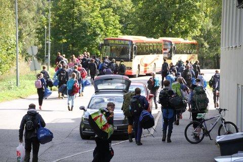 UT PÅ TUR: Rjukan Idrett og Landslinja for Natur og Miljø dro på felles fjelltur fredag.
