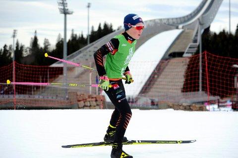 MÅ VENTE: Tov Røysland må fortsatt vente på sesongdebuten i skiskyting. Tirsdag fikk han beskjed om at Hovedlandsrennet som var vinterens store mål var avlyst.