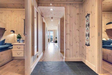 En nyere 3- roms leilighet i Lodge bygg E ble lagt ut med en prisantydning på 4,1 millioner kroner. Etter ett døgn i markedet ble leiligheten i Skipsfjellvegen solgt for 10 prosent over prisantydning.