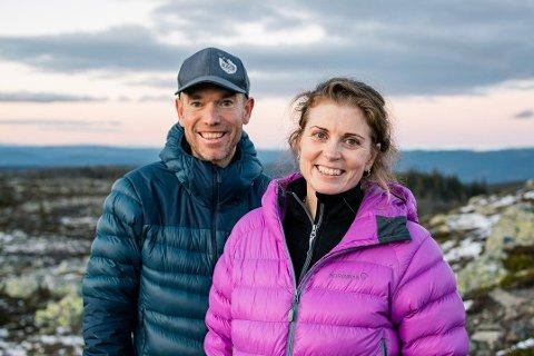 SKISKOLE: Den nye sportssjefen på Gausta Björn Nordahl og Helen Merrifield satser på lage høykvalitets skiskole på Gausta. Sammen kommer de til å lede sport- og skiskolevirksomheten på skisenteret.