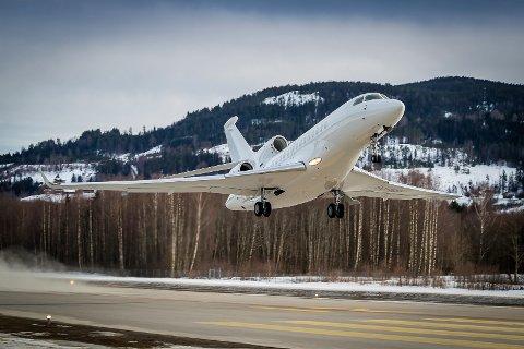STORFLYPLASS: Oppnåelsen av et nytt sertifikat gjør at Notodden flyplass igjen kan kalle seg storflyplass, og dermed kan ta imot fly av blant annet denne størrelsen.
