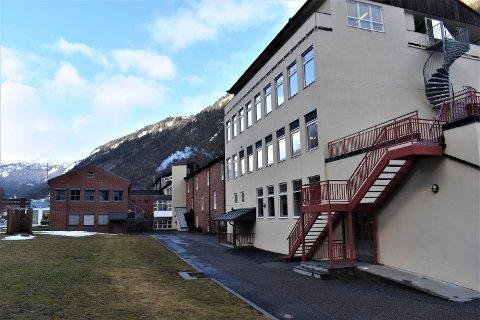 INGEN EKSAMEN: Det blir ikke skriftlig eksamen på Rjukan videregående skole i år, og heler ikke for 10. klasse på ungdomsskolen.
