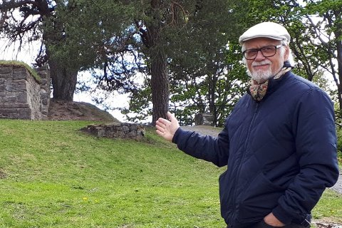 ROMANFORM: Før han begynte på trilogien hadde Tor Bertel Løvgren, som er fra Larvik, men har vært bosatt i Skien fra 1978 utgitt annet enn romaner. Trilogien om Tord er hans første større skjønnlitterære verk.