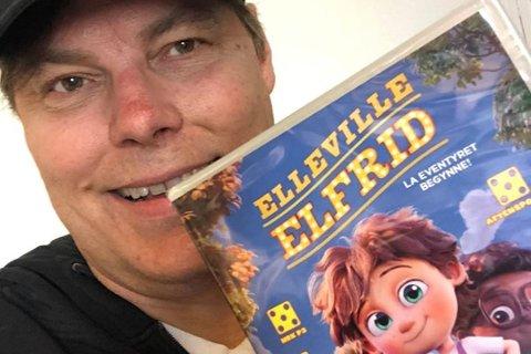 UTE PÅ DVD: Frank Mosvold jubler over at Elleville Elfrid, filmsuksessen han satset leiligheten på Gaustablikk for, er ute til slag digitalt og fysisk.