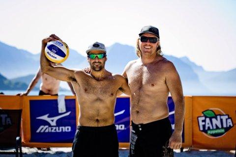 UT I ÅTTENDELS: Telemarks håp i NM, Sadegh Mohajer og Vegard Høidalen røyk ut i åttendelsfinalen under årets NM i sandvolleyball i Oslo.