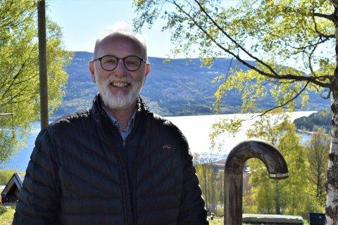 ALVOR: Fungerende kommunedirektør Svein Aannestad sier at pålegget om skjenkestopp ved midnatt allerede fra lørdag understreker alvoret i dagens smittesituasjon.