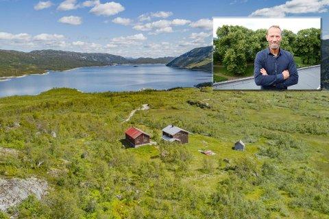FIKK DISPENSASJON: Ivar Tollefsen (innfelt) får nå lov til å rive fire hytter på Hardangervidda for å sette opp tre nye.