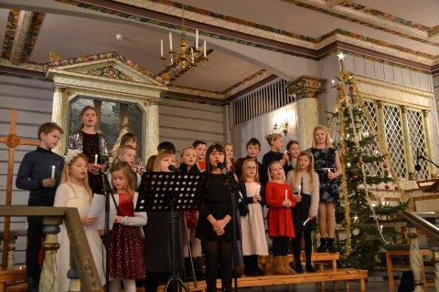 Barnekorene i Tinn øver igjen. Her fra en konsert julen 2019.