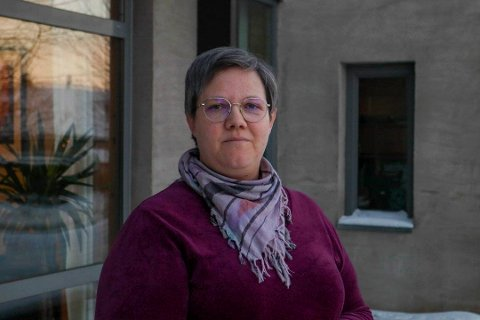 KLAR FOR NYE OPPGAVER: Astrid T. Kjelsnes (42) innstilt som ny faglig leder i SV. Jenta fra Rjukan bor nå i Trønderlag og har lang fartstid i både lokal- og fylkeslag i SV. (foto Emil Tanem/Nidaros)