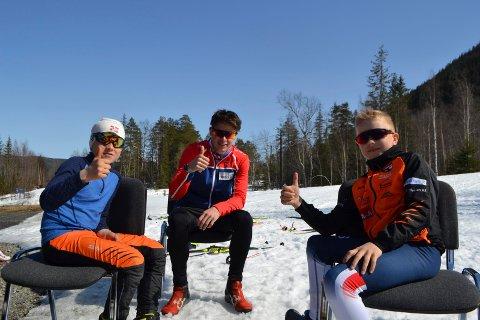 SAMLING: Eilev Odden og Håvard Eggerud med fersk landslagsutøver i langrenn, Harald Østberg Amundsen på skitrening i Tinn.