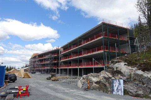 BYGG: Vertorama består av fire etasjer. Underetasjen er til parkering og boder, mens de tre andre etasjene vil romme leiligheter fra 57 til 81 kvadratmeter. (foto Egil Stensrud )