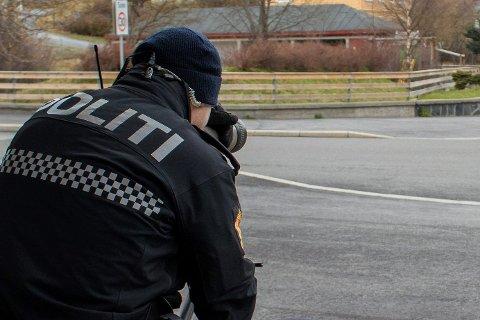 ILLUSTRASJON: Politiet foretok en trafikkontroll i krysset ved Mæl mandag formiddag.