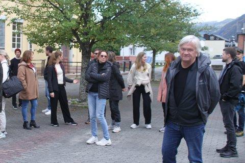 PÅ ARKITEKT-TUR: - Vi startet i Suldal, og der ville vi studere energiarkitekturen som ble skapt av Oslo-arkitekten Geir Grung. Det var utgangspunktet, men vi valgte å utvide til et tema rundt energi og industrihistorie, forteller Geir Dyrvik.