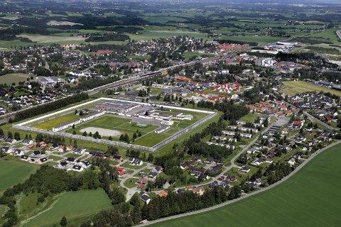 ØKER KAPASITETEN: Ullersmo fengsel på Kløfte får plass til flere fanger. Foto: Morgan Andersen