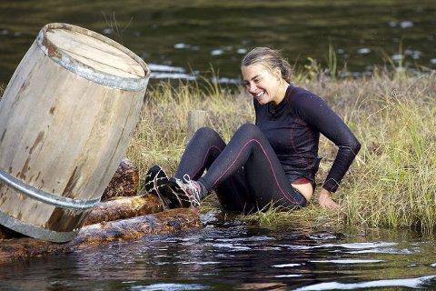 Kjempet hardt: Charlotte Jacobsen ga alt for å slå gutta i gårsdagens sending, men måtte gi tapt. BEGGE FOTO: TV 2