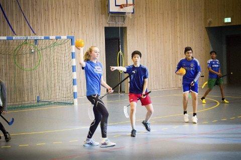 Ivrige ungdommer: Rumpeldunk skapte noe kaos, men elevene storkoste seg med en annerledes gymtime.  alle Foto: Maria Bergh