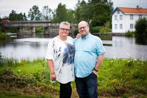 MAMMA OG PAPPA: Foreldrene til Fredrik og Siri har dannet tette bånd de siste årene.