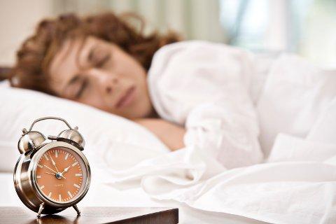SØVNMØNSTER: Det å slumre opptil flere ganger fører bare til at du faller dypere inn i søvnen. Foto: Colourbox