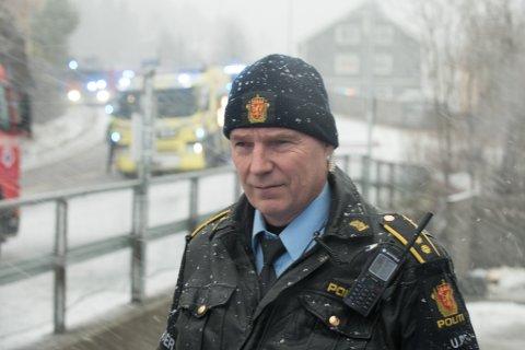 HAR KONTROLL: Knut Hammer, politiets innsatsleder på stedet.