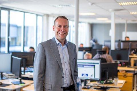Administrerende direktør i Elkjøp, Jaan Ivar Semlitsch, har høye forventninger til de nye flyplassbutikkene.