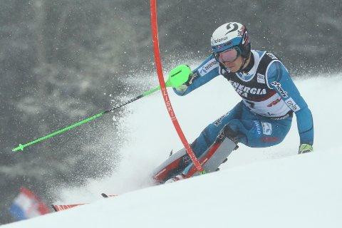 NUMMER TRE: Henrik Kristoffersen kjørte seg opp fra 6. til 3. plass i slalåmrennet i Zagreb. FOTO: NTB SCANPIX