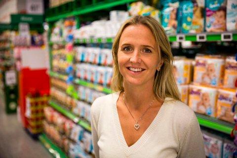 - Vi har i dag kuttet prisene på 220 produkter med mellom 10 og 40 prosent på alt fra shampo til vaskemiddel, sier Kristina Aakvaag Arvin, kommunikasjonssjef i Kiwi. Foto: Kiwi