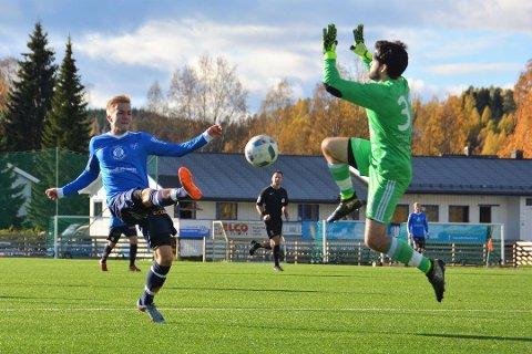 Jonatan Teigland scoret fem mål for Eidsvold Turn lørdag ettermiddag. Nå kan det gå mot en thrilleravslutning for han og resten av laget – hvis Lyn skulle bli trukket poeng.