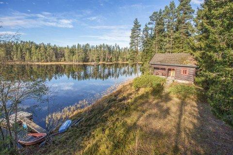 BUDKRIG: Seks personer kjempet om denne hytta. Salgssummen ble til slutt 2,55 millioner kroner – over en million over prisantydning.